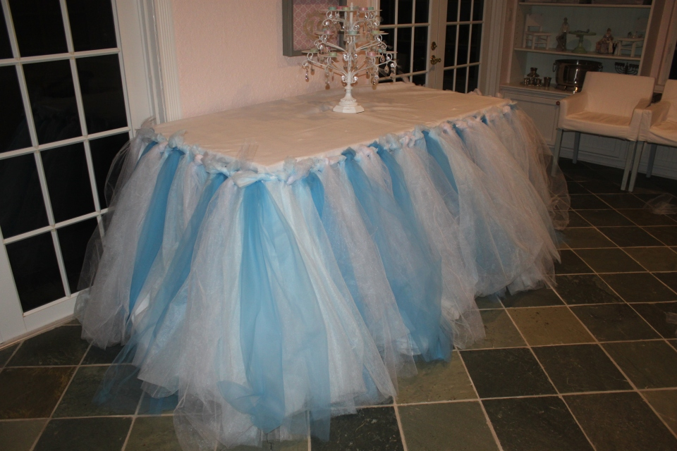 no sew tulle table skirt  u2013 the mamanista